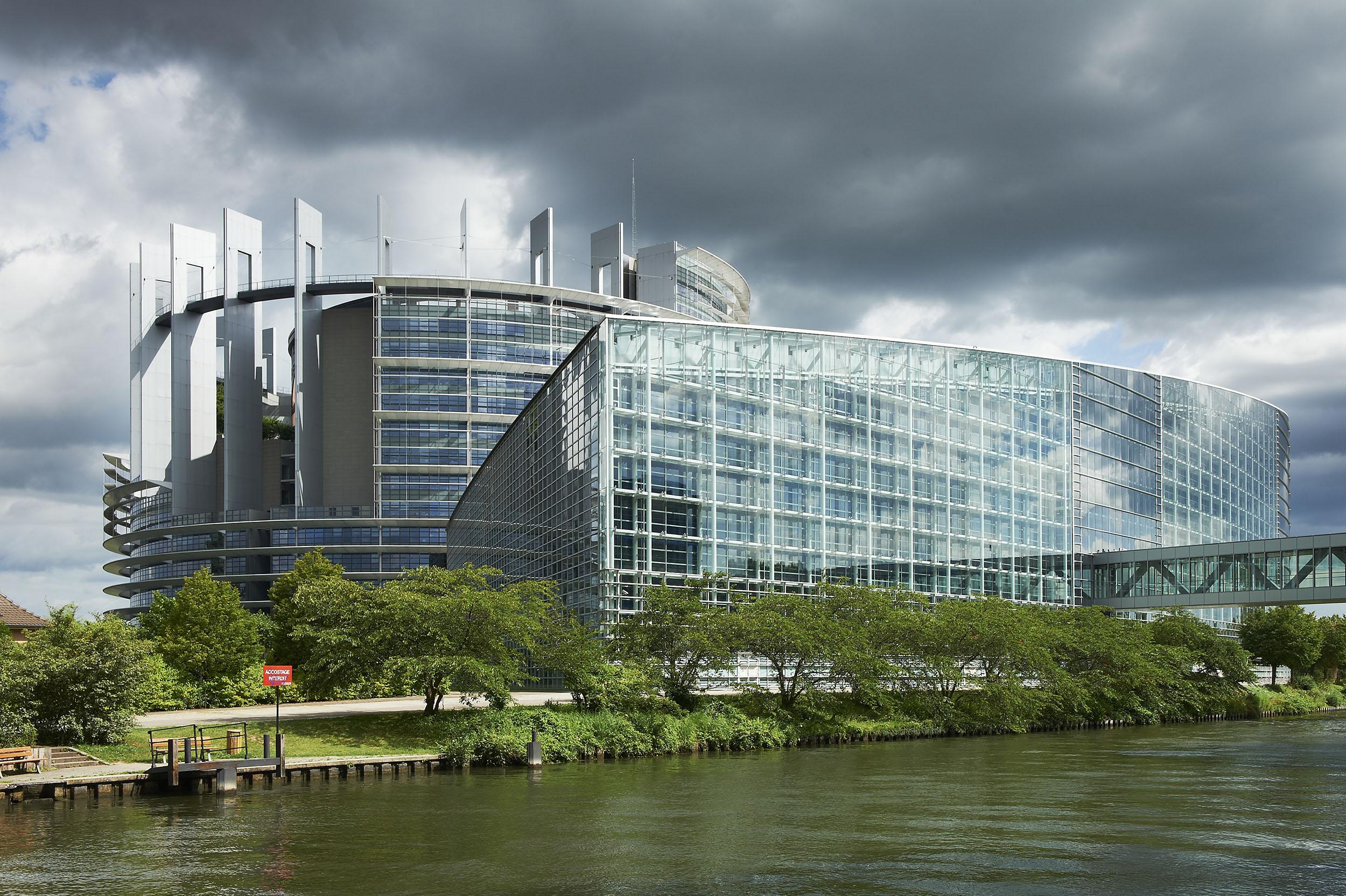 parlement europeen 710