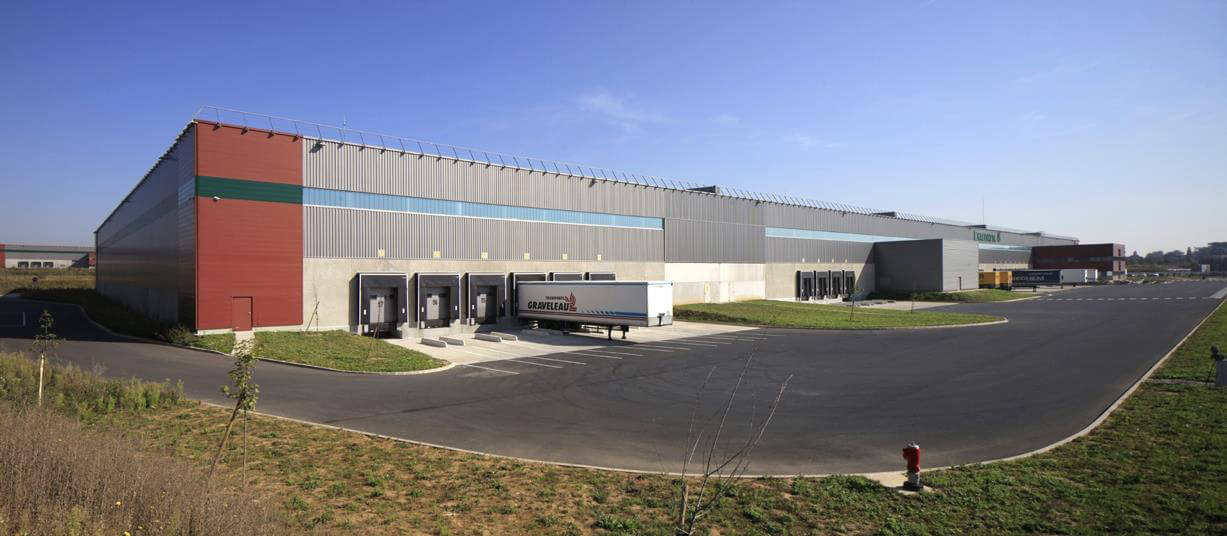contractant general base logistique exacompta vemars